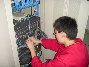 网络工程师看电脑时间长吗? - 2